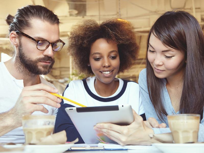 Criatividade nas redes sociais: como ser diferente das outras empresas?