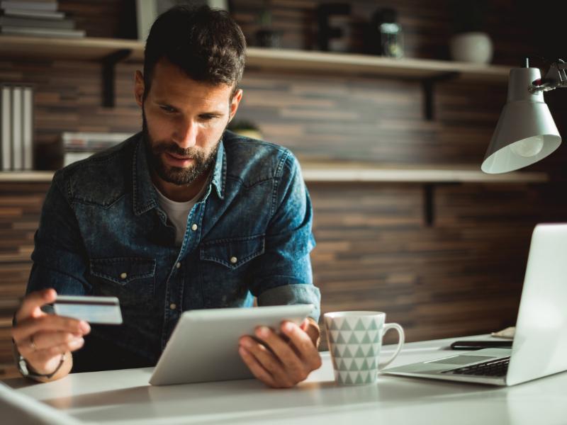 4 passos para conquistar o consumidor 4.0: conheça suas principais características e aumente as vendas